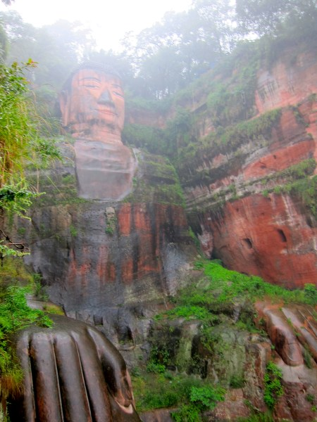leshan buddha from below