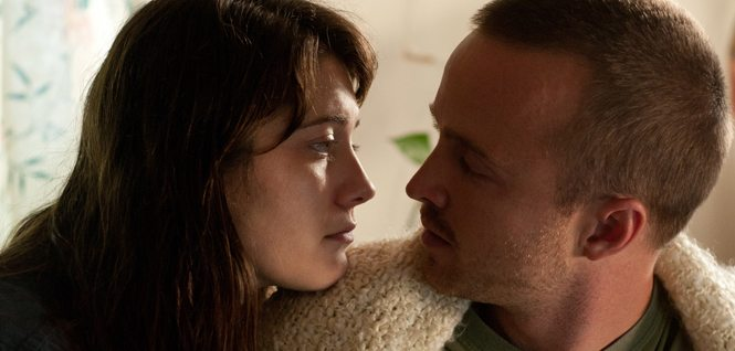 Kate (Winstead) and Charlie (Paul) in Smashed