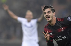 AC Milan's Portuguese forward Andre Silva celebrates after scoring during the UEFA Europa League group D football match between AC Milan and FK Austria-Wiendur at the San Siro stadium in Milan on November 23, 2017.  / AFP PHOTO / MIGUEL MEDINA