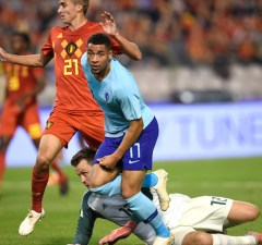 Netherlands' Arnaut Danjuma Groeneveld (C) celebrates after scoring during the friendly football match between football match between Belgium and Netherlans, at the King Baudouin Stadium, on October 16, 2018 in Brussels. (Photo by JOHN THYS / AFP)
