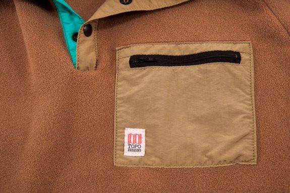 topo_designs_fleece_pocket
