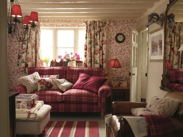 Englischer Style Laura Ashley Reds And Creams – A Cottage Dream