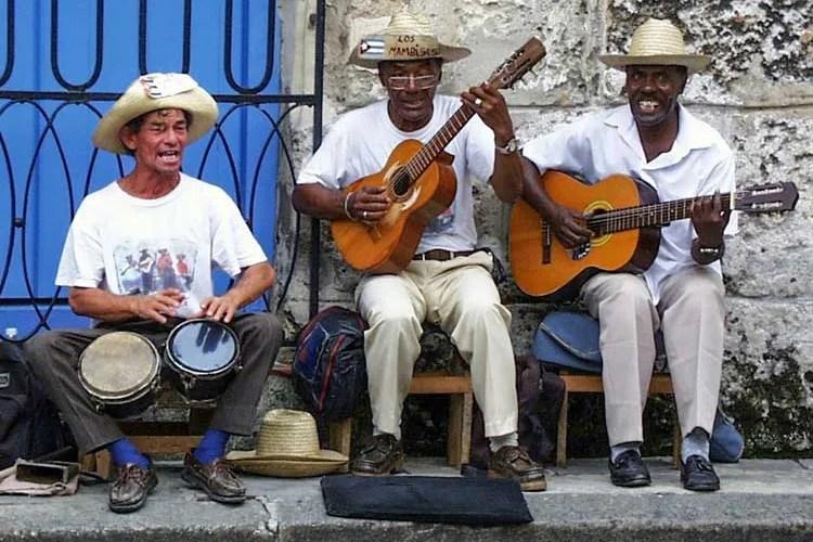 Musicians_Havana,Cuba_Edgar-Jimenez
