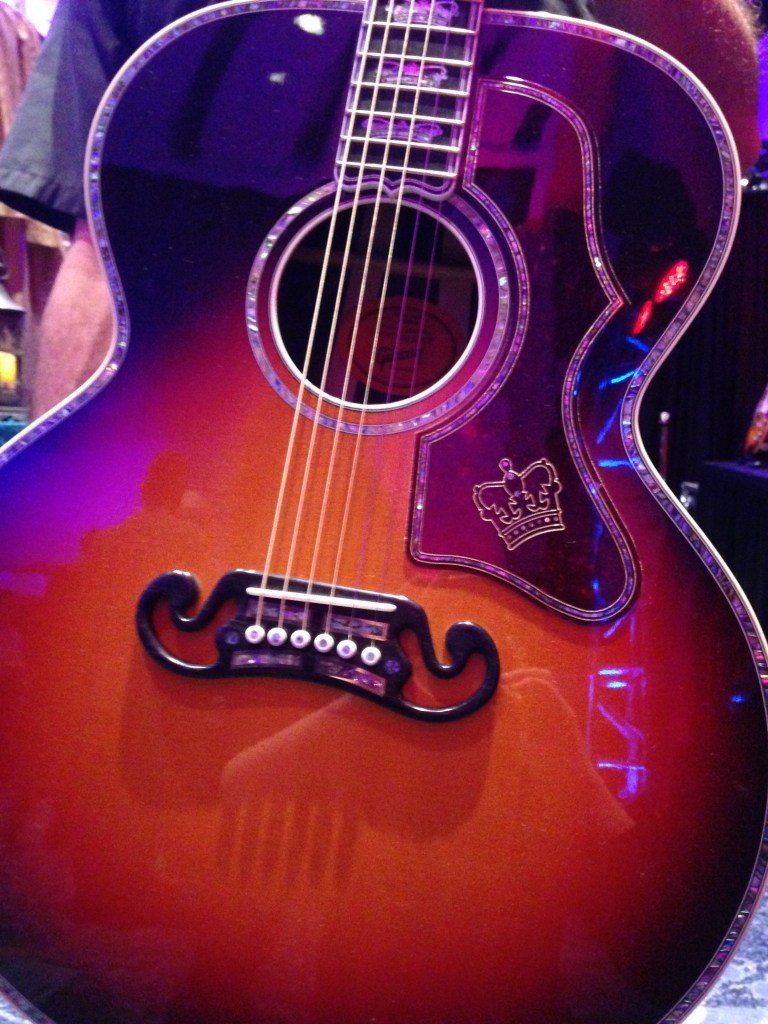 The Gibson Monarch: Up close and personal