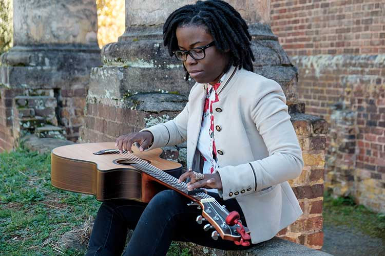Guitar Talk: Yasmin Williams Finds Her Own Way