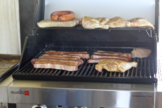 Char-Broil Grilling meat