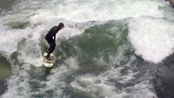 river-surfing-death_h