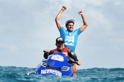 France's Jeremy Flores Wins 2015 Billabong Pro at Teahupoo