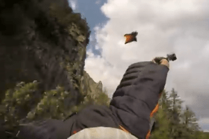 WATCH – Incredible Wingsuit Proximity Flying