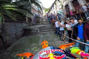 Enduro MX Racing the Back Alleys of Portugal with Jonny Walker – Extreme XL Lagares