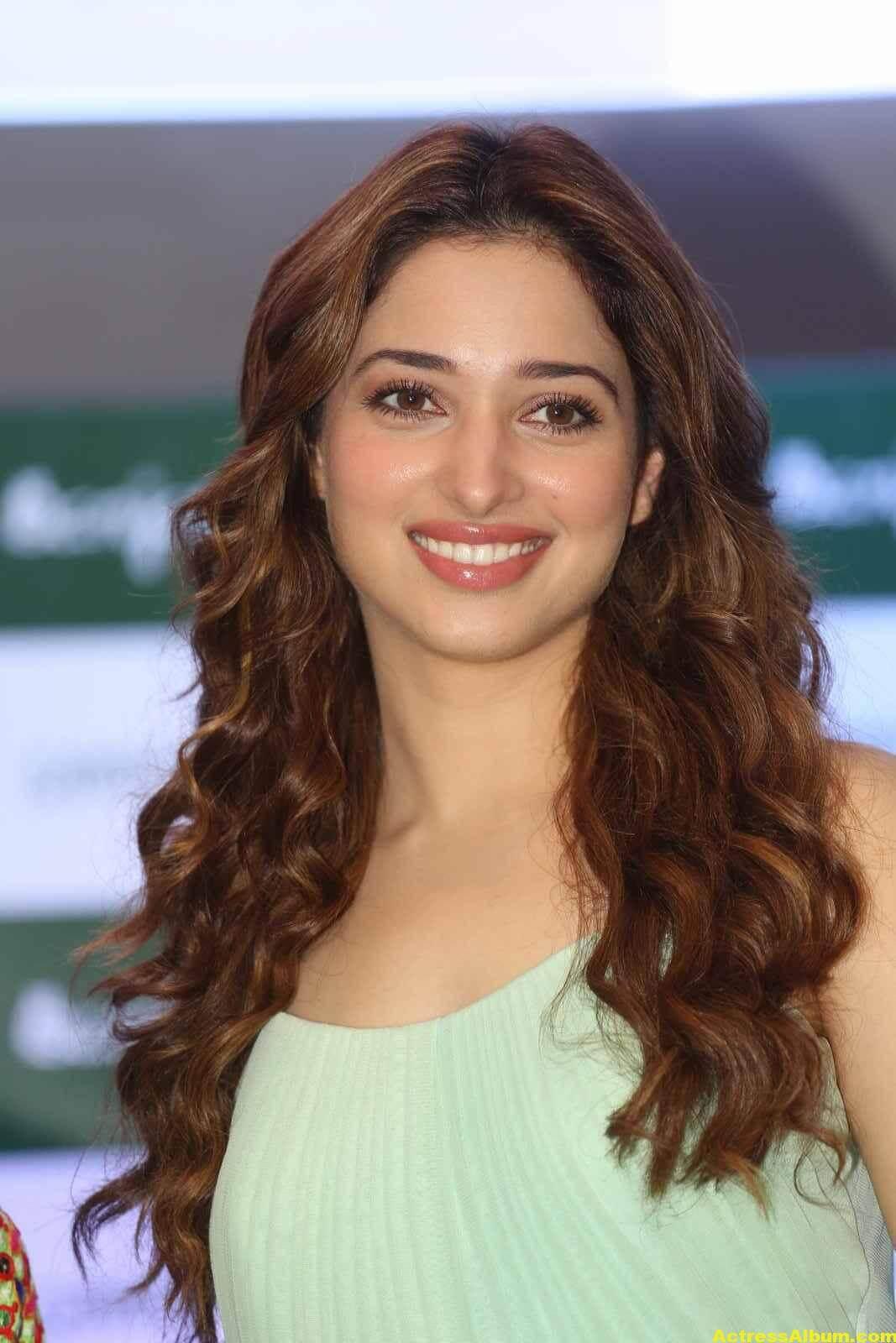 Anu 3d Name Wallpaper Tamanna Latest Cute Photos In Green Dress 6 Actress Album