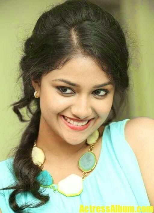 Akshara Haasan Cute Wallpapers Actress Keerthy Suresh Long Curly Hair Photos Actress Album
