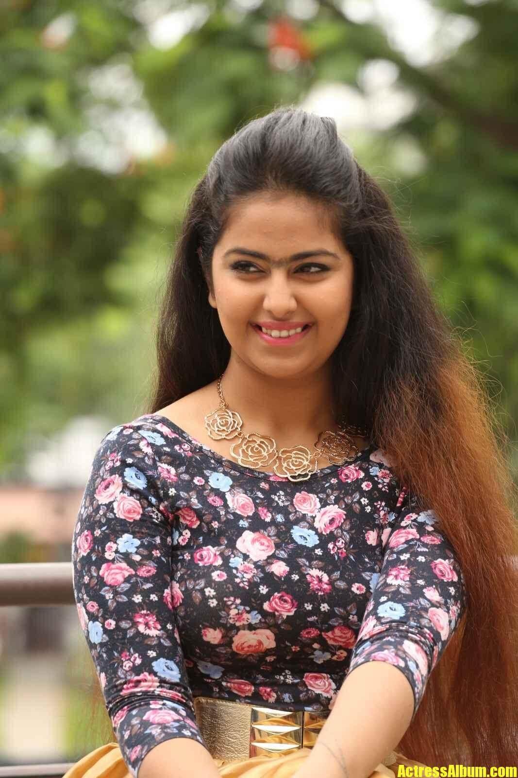 Cute Aishwarya Rai Wallpapers Avika Gor Latest Photos Actress Album