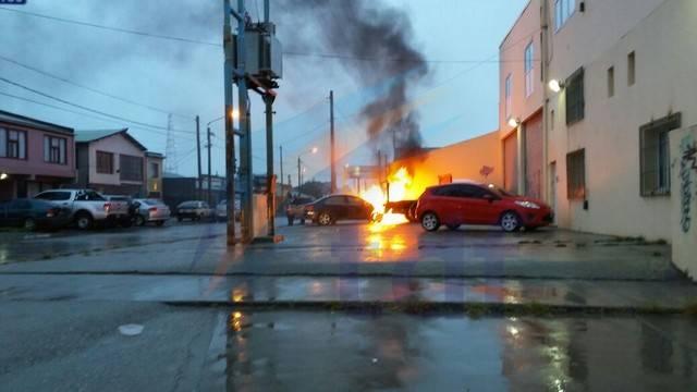 incendio auto obligado