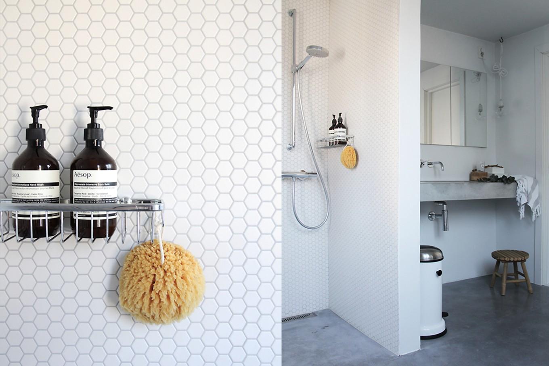 Badkamer Betegelen Muur : Kosten badkamer opnieuw betegelen badkamer verbouwen utrecht