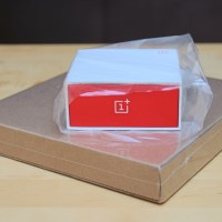 Unboxing and Examining the OnePlus One