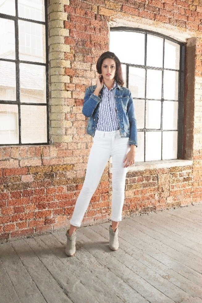 How to Wear White Jeans with Trilogy* | A Daisy Chain Dream