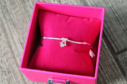 chlobo bracelet in box
