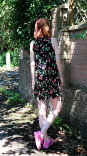 pull&bear floral dress back