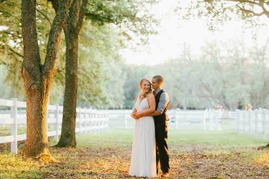 Country bride and groom - ADOS