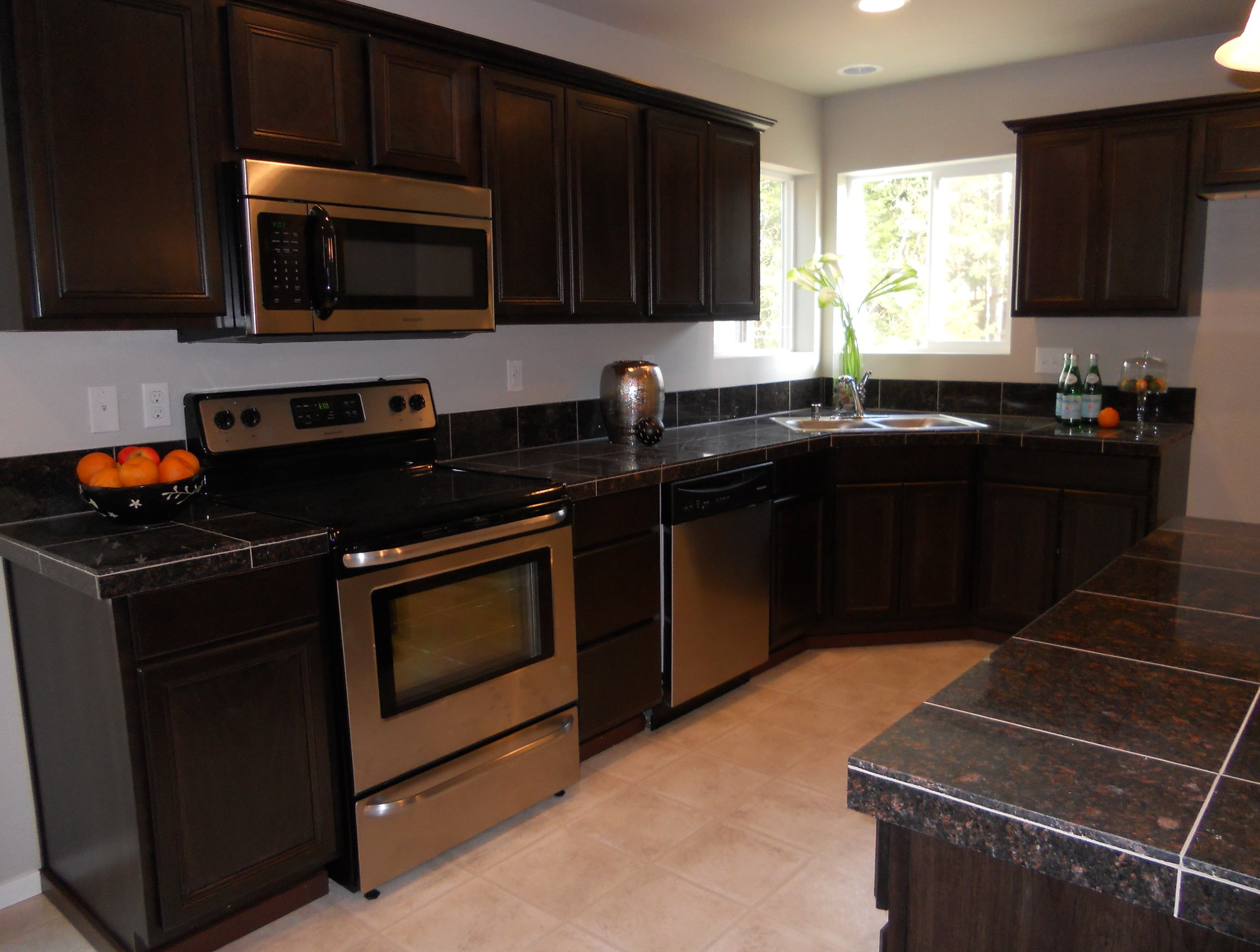 Cabinet Colors With Black Countertops Kitchen Cabinet Colors With Dark Countertops Kitchen