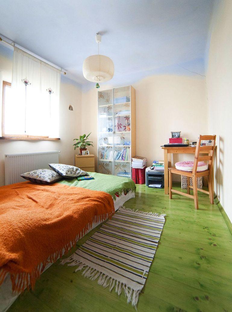 adelaparvu.com despre casa din chirpici la Ciolpani, Poiana Florilor, designer Elena Vasiliu arh. Raluca Suru, Foto Dragos Boldea (74)