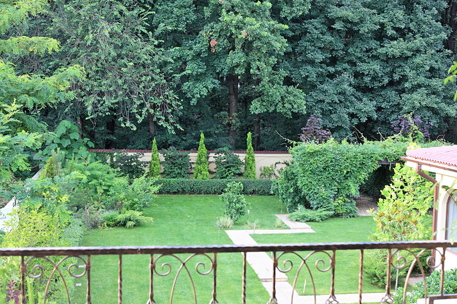 adelaparvu.com despre amenajare gradina Padurea Baneasa, arhitect Sorin Ciorapciu, Babylon Garden (3)