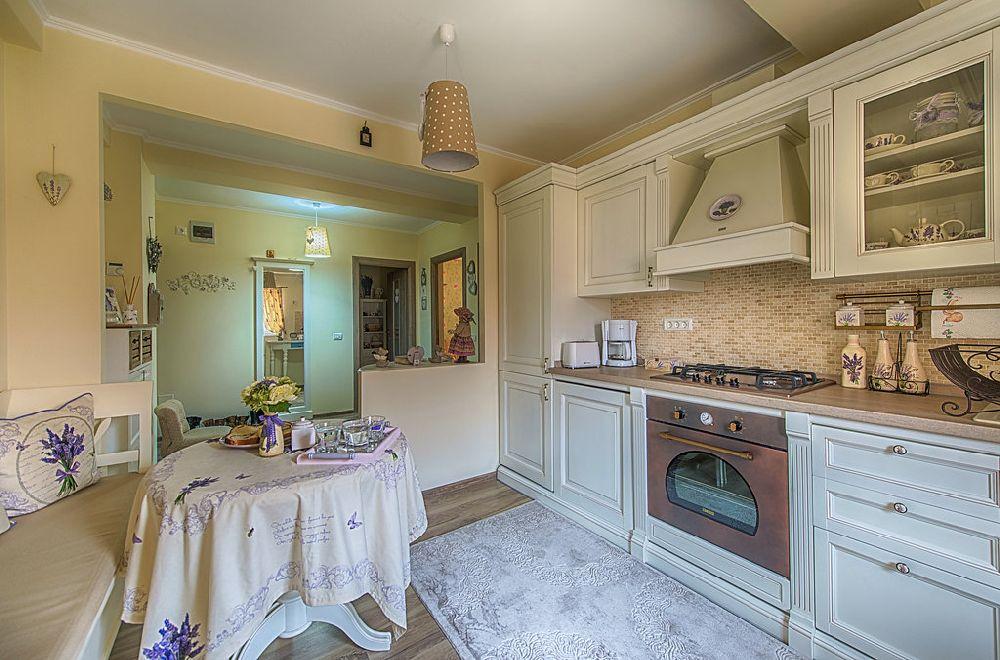 adelaparvu.com-despre-amenajare-apartament-2-camere-Constanta-design-interior-Ana-Maria-si-Laur-Ivanof-Styling-Oana-Gardon-Foto-Marian-Sterea-87.jpg