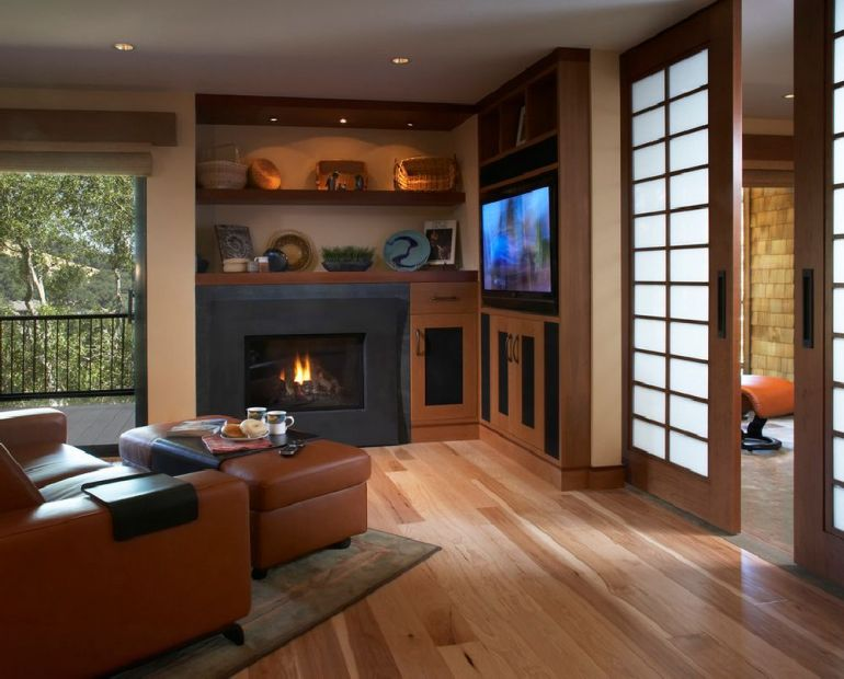 Foto Harrell Remodeling televizorul în cameră Unde se pune televizorul în cameră și la ce distanță de canapea sau pat? adelaparvu