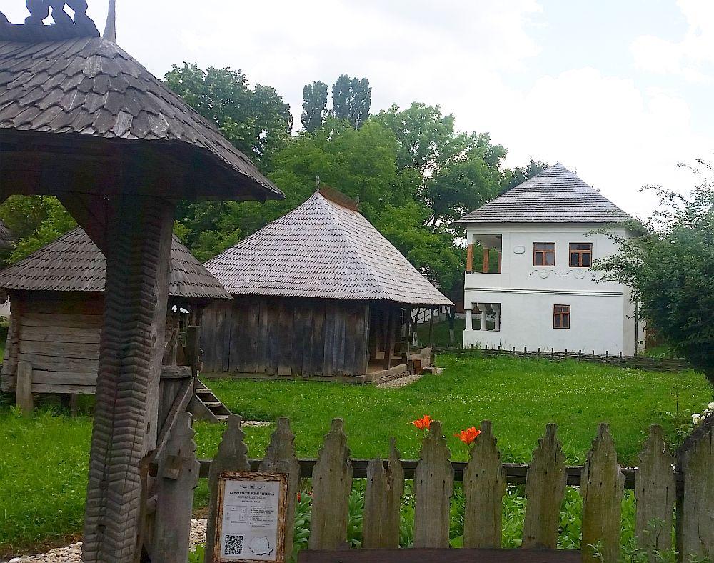 adelaparvu-com-despre-case-traditionale-romanesti-muzeul-viticulturii-si-pomiculturii-golesti-jud-arges-romania-foto-adela-parvu-22