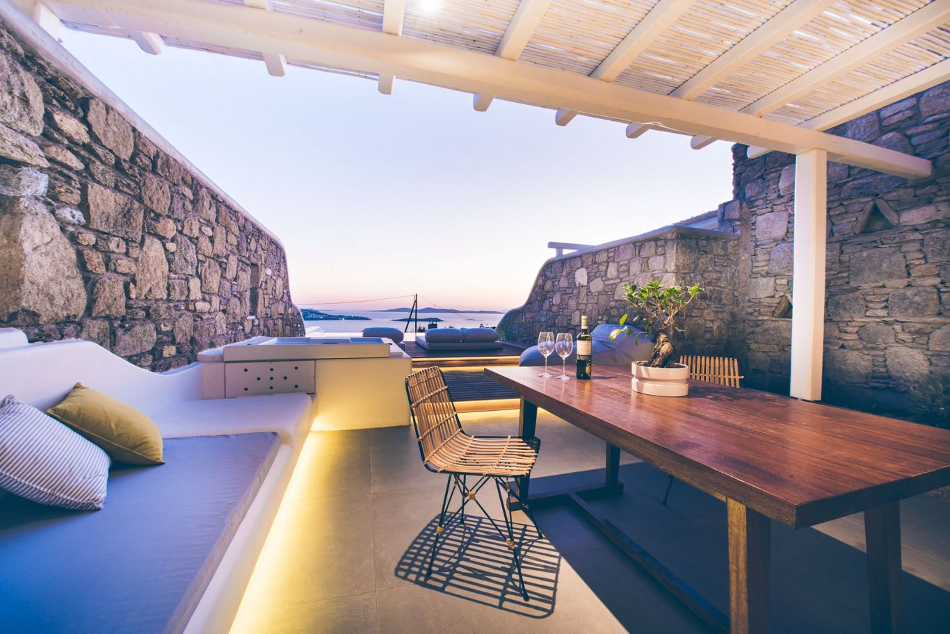 Jacuzzi Pool Deluxe Deluxe Suite With Outdoor Heated Private Pool Luxury Stay In Mykonos
