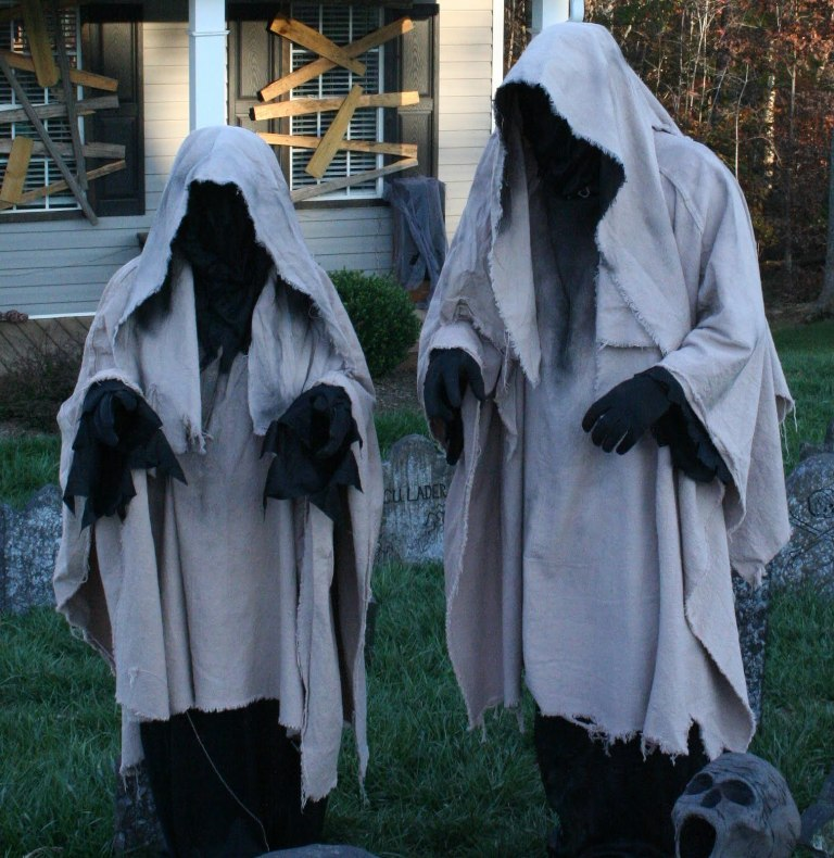 51 outdoor halloween decorations ideas do it yourself a diy 84 ghost