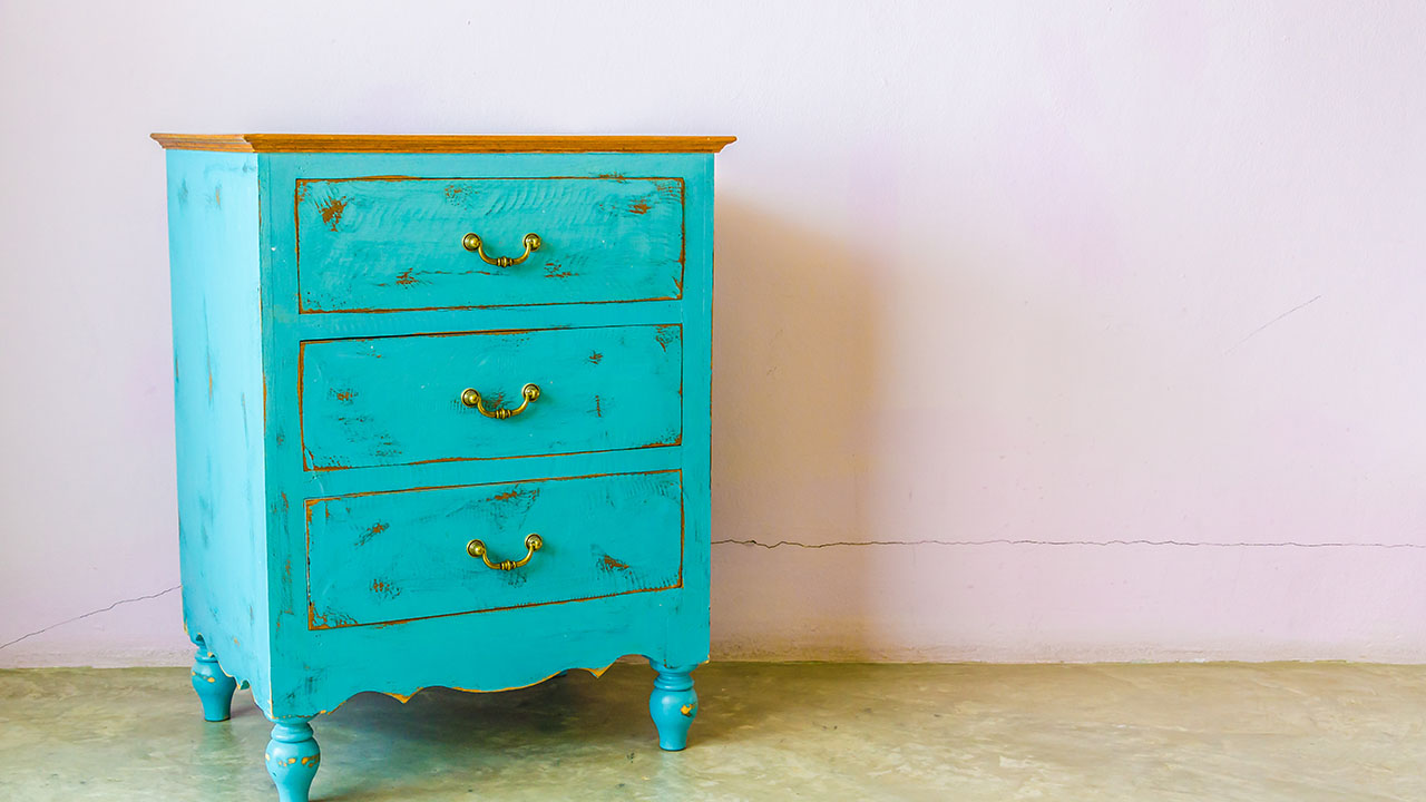 Shabby Look Shabby Chic Redecorating On A Budget How To Make Your New