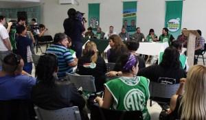 Viedma. 12-11-15. Acto de asuncion de Aguiar (ATE).  Foto: Pablo Leguizamon