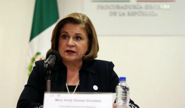 Descarta PGR que caso Iguala esté cerrado (17:10 h)