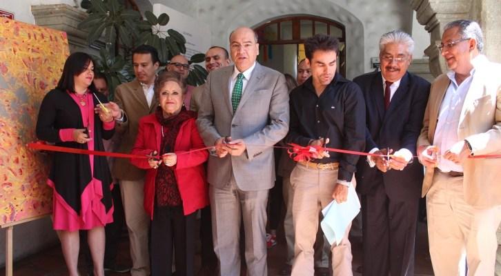 Inaugura Javier Villacaña exposición