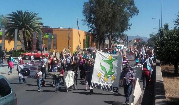 Marcha COOA del crucero del IEEPO al Zócalo de Oaxaca (13:30 h)