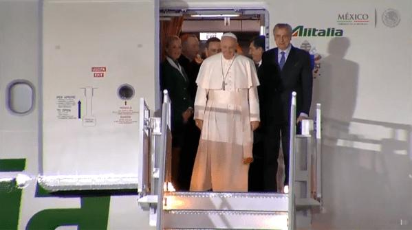 Llegó el Papa a México (19:37 h)