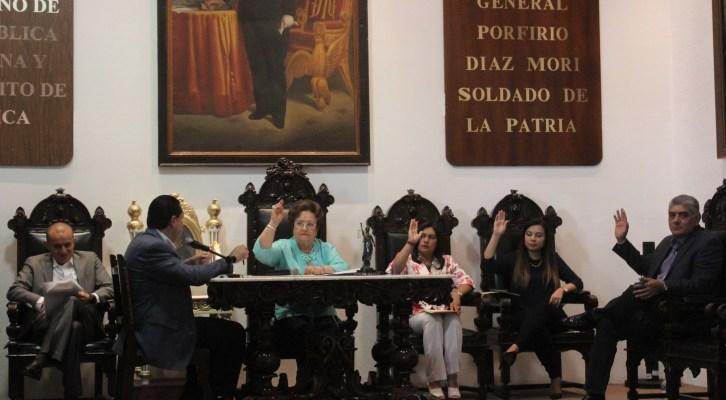 Aprueba cabildo de Oaxaca de Juárez dictamen de comisión (18:45 h)