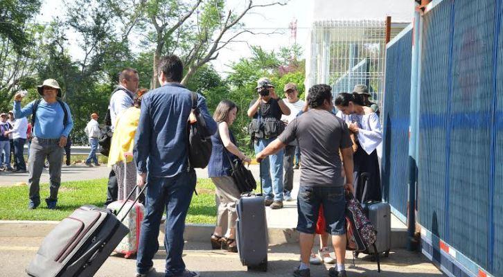 Pasajeros afectados por bloqueo de la CNTE en el aeropuerto (10:40 h)