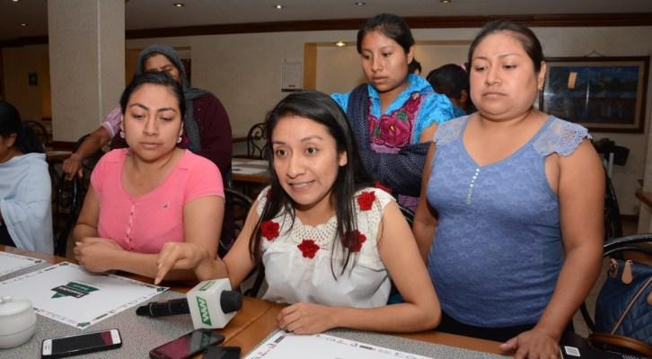 Les impiden participar en elecciones sólo por ser mujeres en San Lucas Quiaviní, Tlacolula (11:45 h)