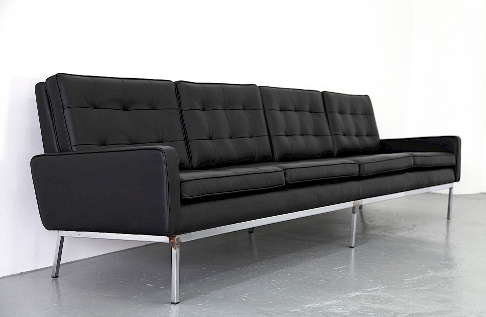 Florence Knoll Sessel Vier-sitzer Sofa Von Florence Knoll - Adore Modern
