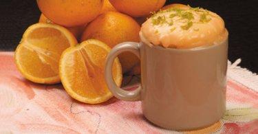 bolo-de-laranja-na-caneca
