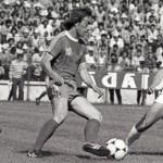 Praful, stadionul gol și amintirile