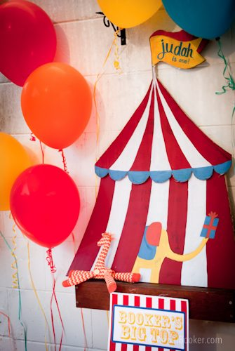 Judah's First Birthday Circus Party table decorations