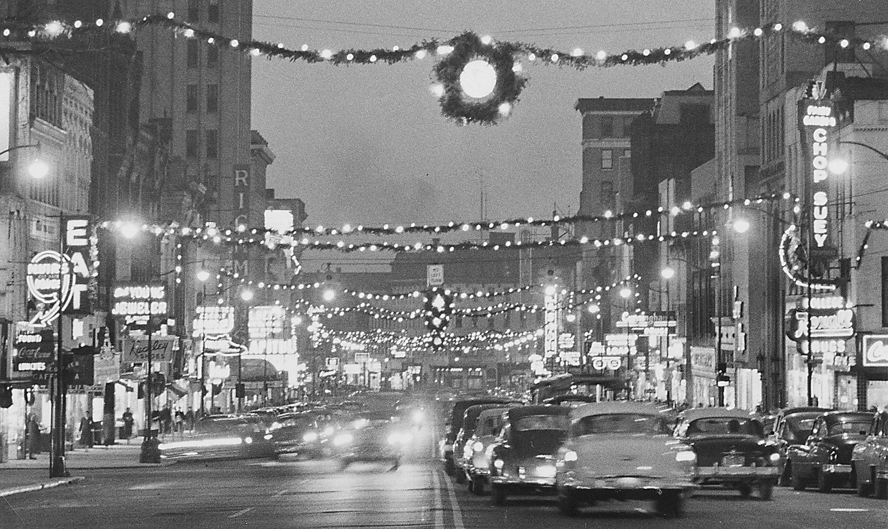 Peek Through Time In 1950s Downtown Jackson During Christmas Season Was A Retail Wonderland Mlive Com