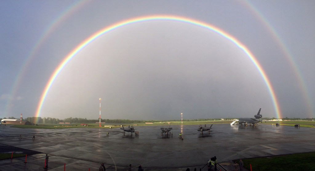 UK-F-35Bs-Rainbows-and-Unicorns-(1)