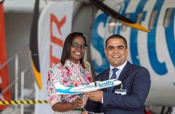 Photo2_Alcinda_Pereira_and_Nuno_Pereira_Founding_Partners_of_Bestfly_mark the_arrival_of_two_ATR_72-600_aircraft_to_the_fleet
