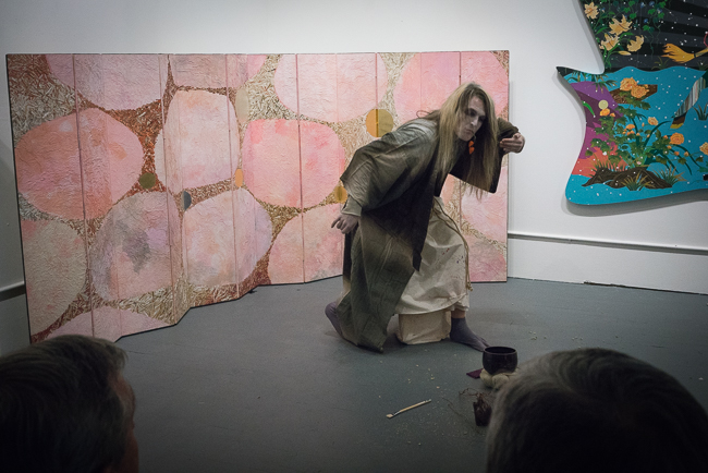 Dance Installation : BUTOH DANCE SHOW