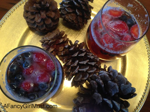 Festive Sparkling Cider Drink for Kids, Plus a Toast for Thanksgiving | AFancyGirlMust.com